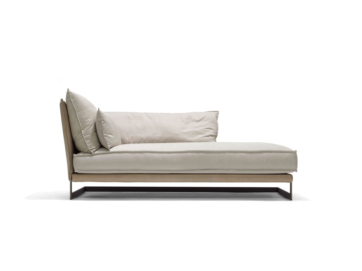 Figilio chaise by linteloo ecc for Chaise longue designer