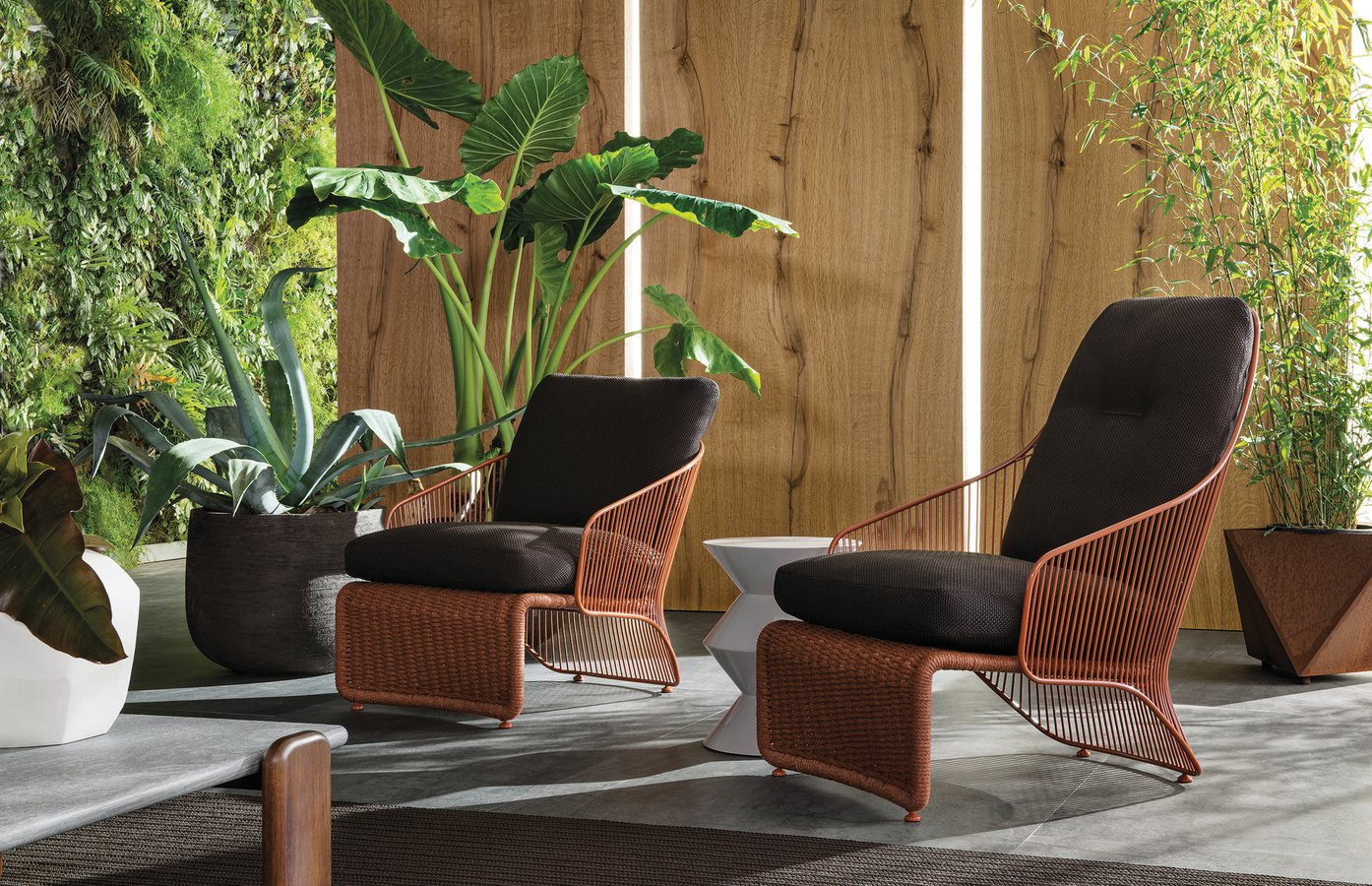 Colette Outdoor armchair by Minotti — | ECC