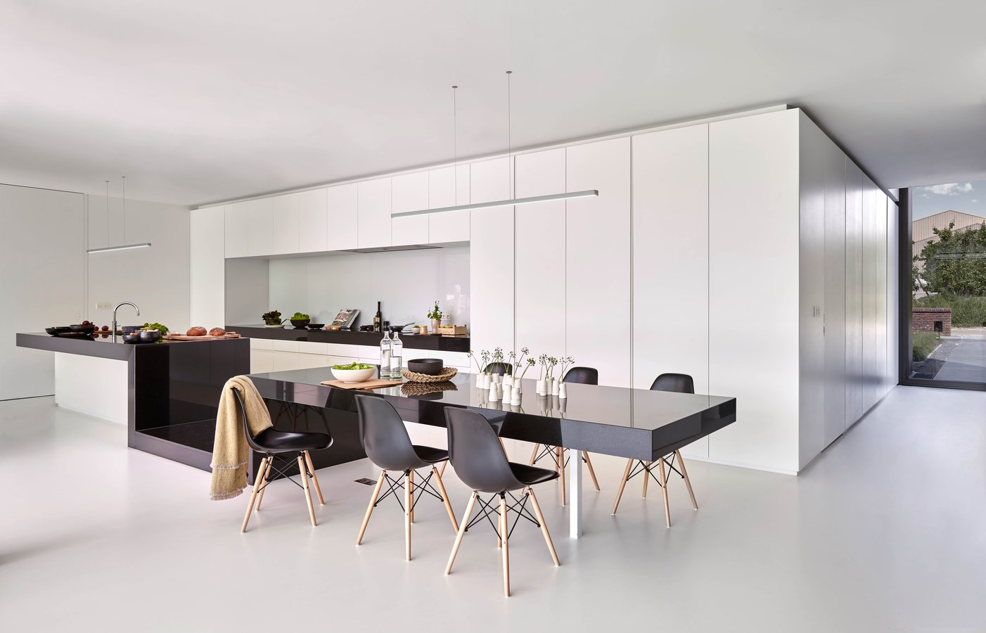 Super Line By Flos Architectural Ecc Wiring House Lights Nz Comprised Of A Rail Combining Direct And Indirect Light Secured Two Invisible Coaxial Cables Serving Both As Anchorage Electrical